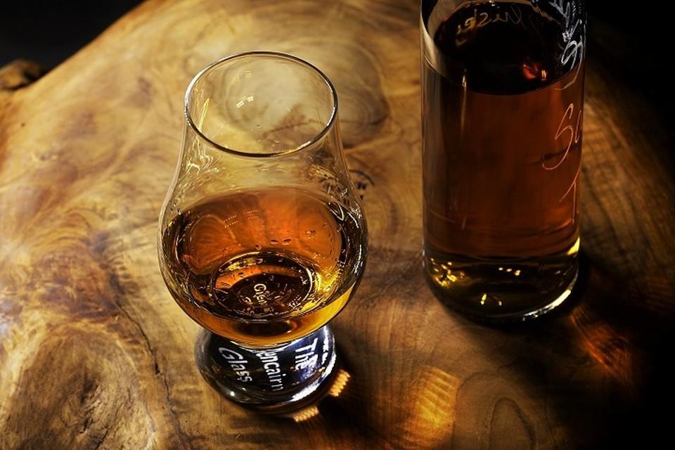 В алкомаркете в Ханты-Мансийске мужчина пошел на преступление ради бутылки виски