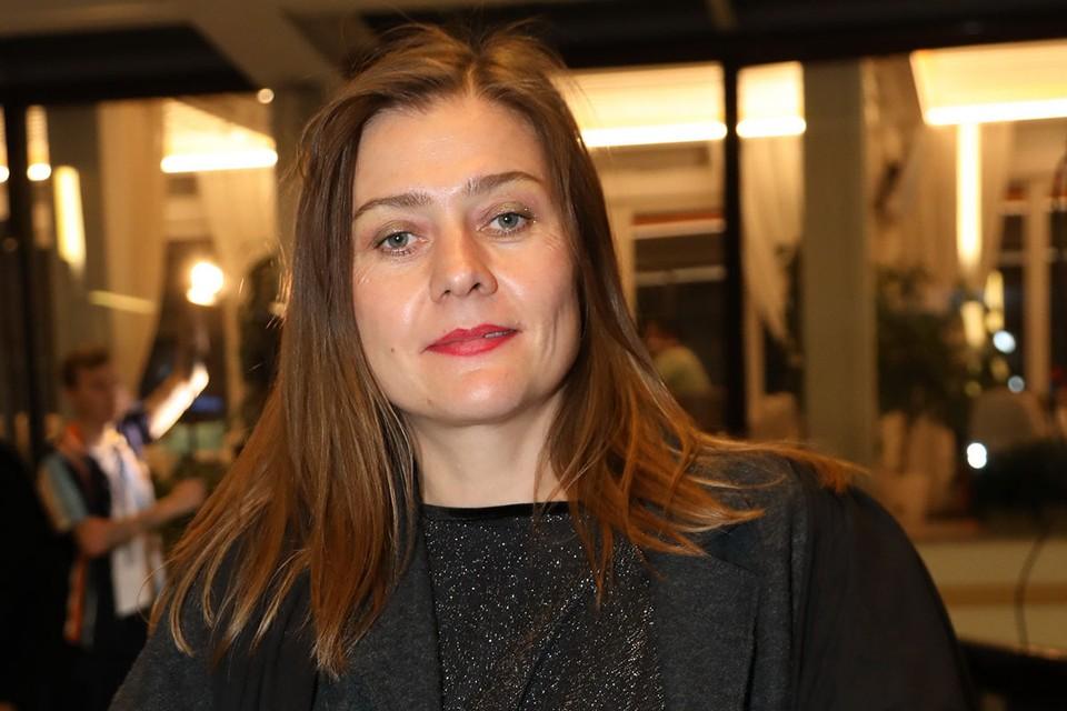 Мария Голубкина - не тот человек, который будет переживать из-за лишних килограммов и морщин на лице.