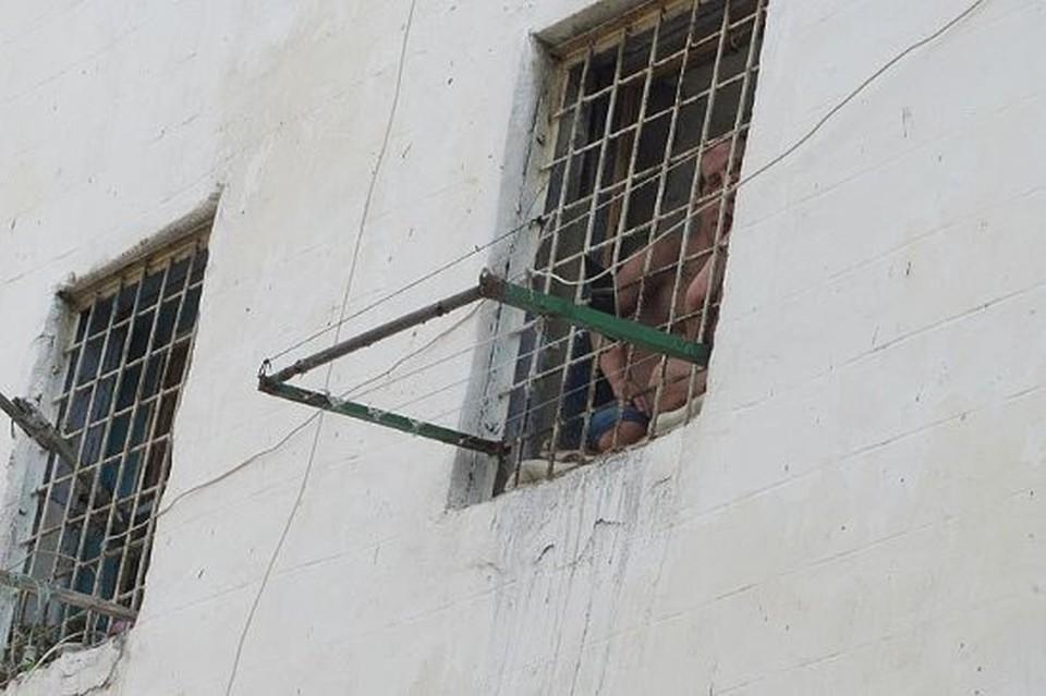 Спецрежим в тюрьмах продлевается.