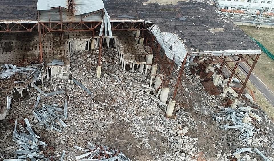Место обрушения стены на предприятии. Фото: СК