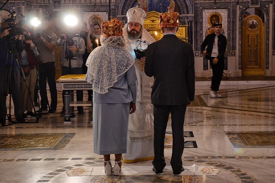 В Главном военном храме России прошло первое венчание.