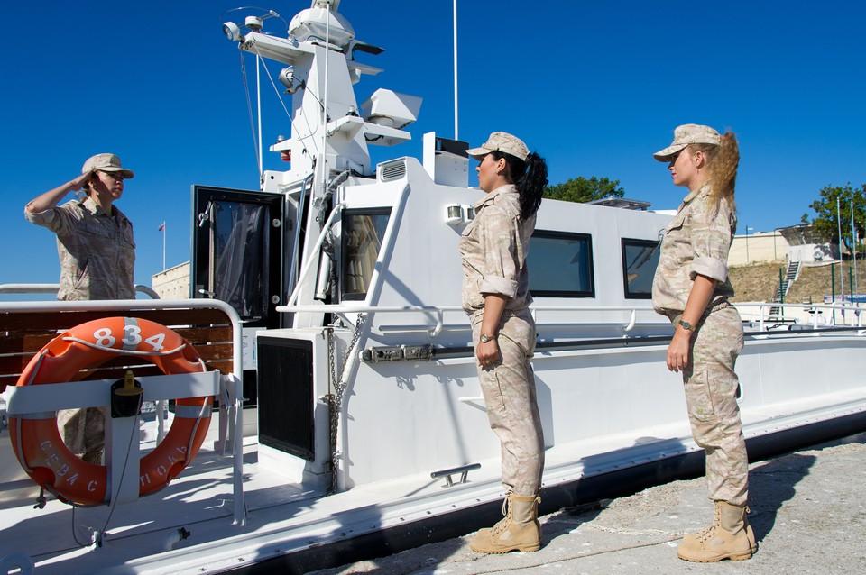 Первый женский экипаж Черноморского флота проходит службу в Севастополе