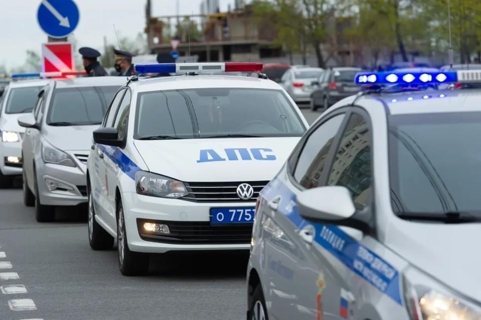 Внедорожник класса люкс за 4,2 млн рублей похитили у пенсионерки в Санкт-Петербурге.