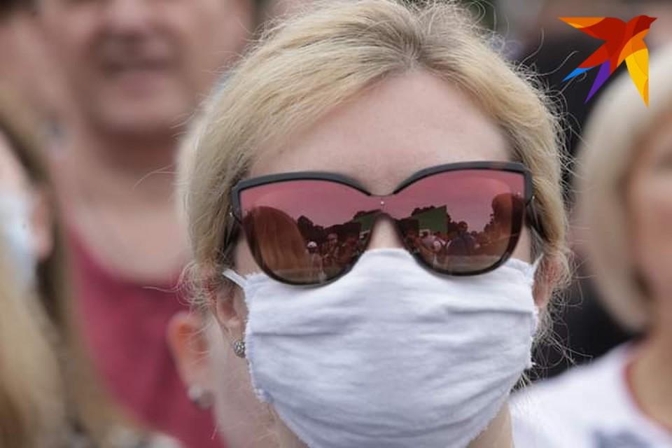 Отмена мероприятий, закрытие пляжей и ночных клубов. В Каталонии началась вторая волна коронавируса?