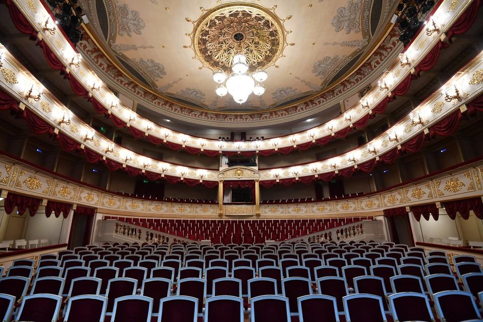 Театры откроются, но работать будут по новым правилам.