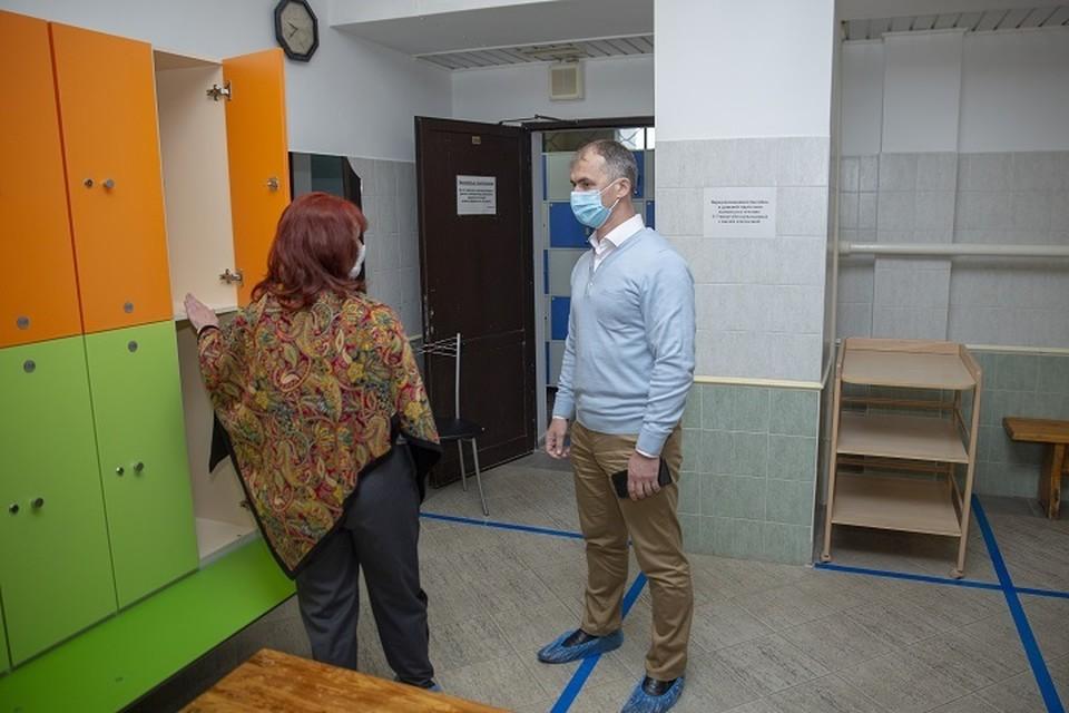 Глава Салехарда проверил готовность к открытию бассейна «Геолог» Фото: salekhard.org