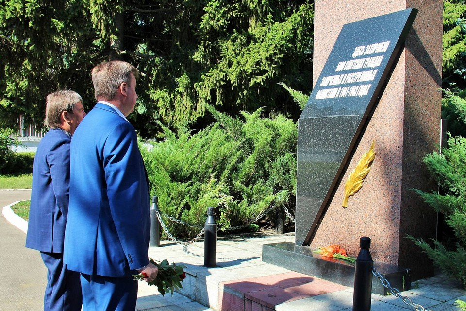 В Орле почтили память жертв фашизма. Фото: пресс-служба администрации города