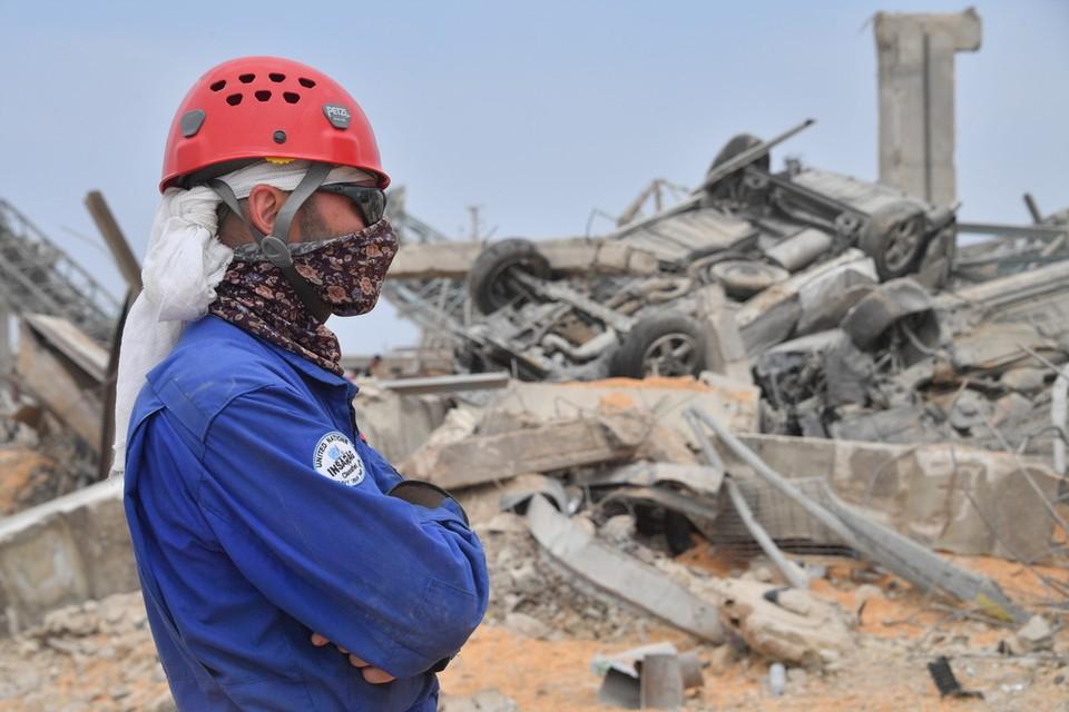 Спасители российского МЧС продолжают работать в Бейруте на разборе завалов.