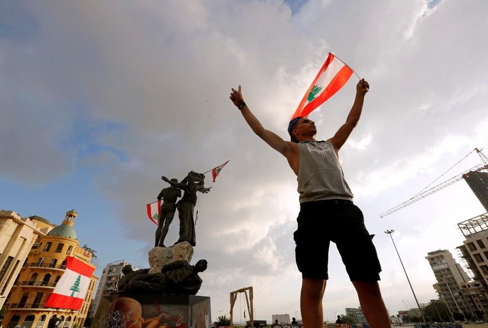 Акции протестов начались после взрыва в порту