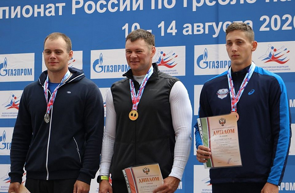 Иван Штыль на чемпионате России по гребле на байдарках и каноэ получил золотую медаль
