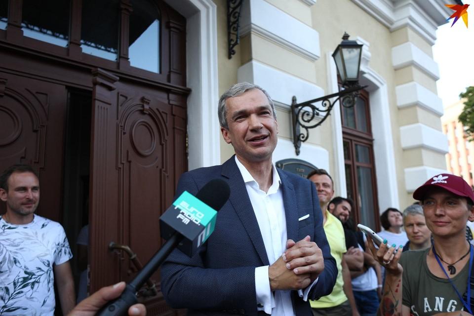 С гендиректором Купаловского театра Павлом Латушко разорван контракт.