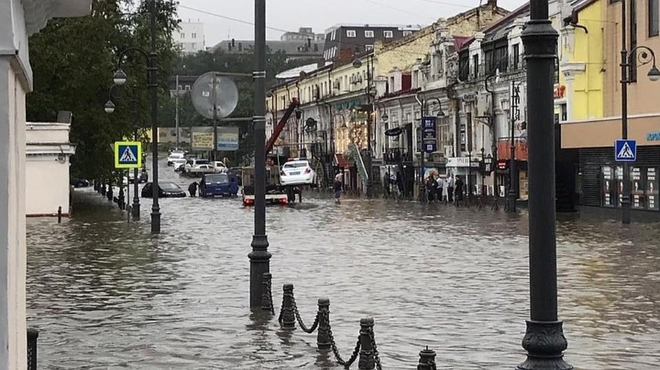 Погода в Приморском крае резко ухудшилась еще ночью, и продолжает портится.
