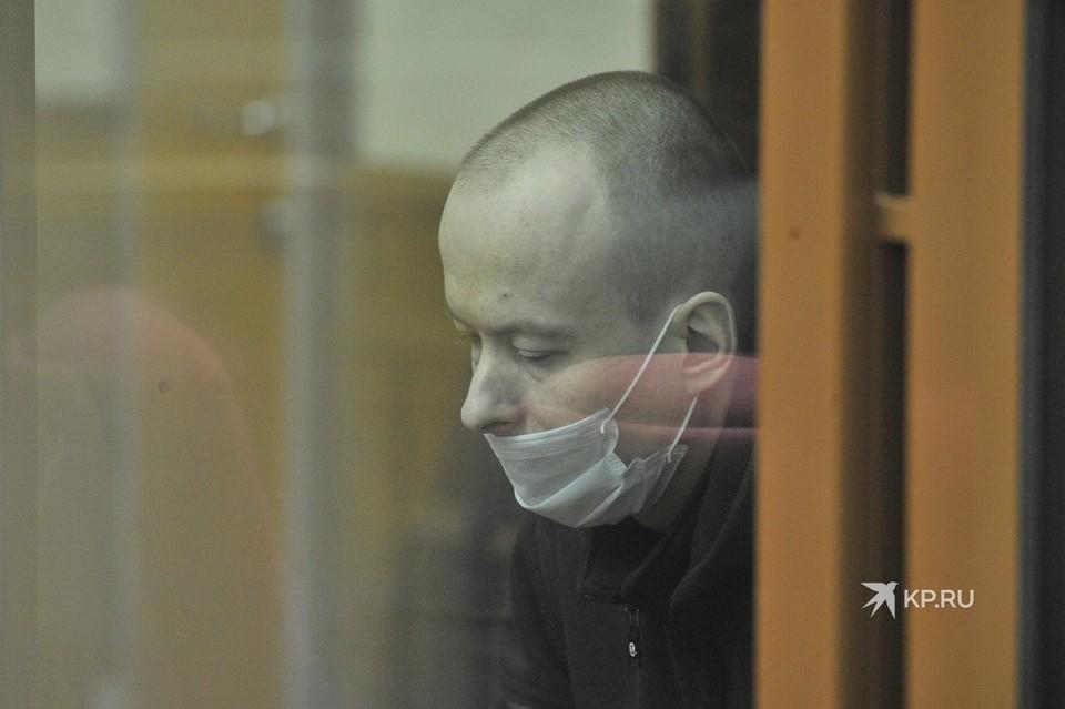 На скамье подсудимых - инженер Алексей Александров