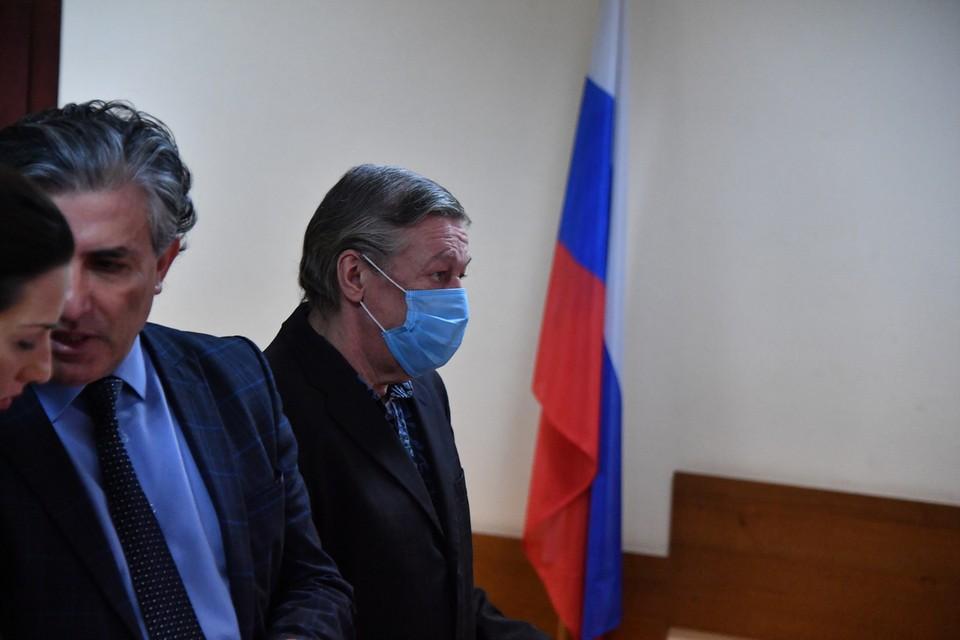 Суд признал Михаила Ефремова виновным