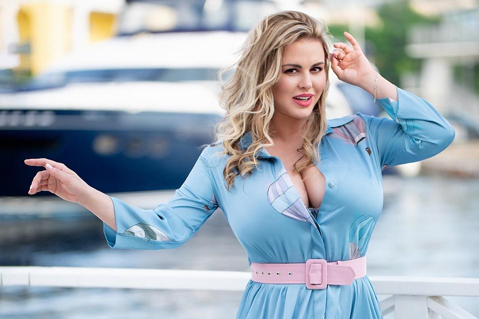 Анна Семенович говорит, что уже созрела для брака и детей. Фото: Арнаут Юрий