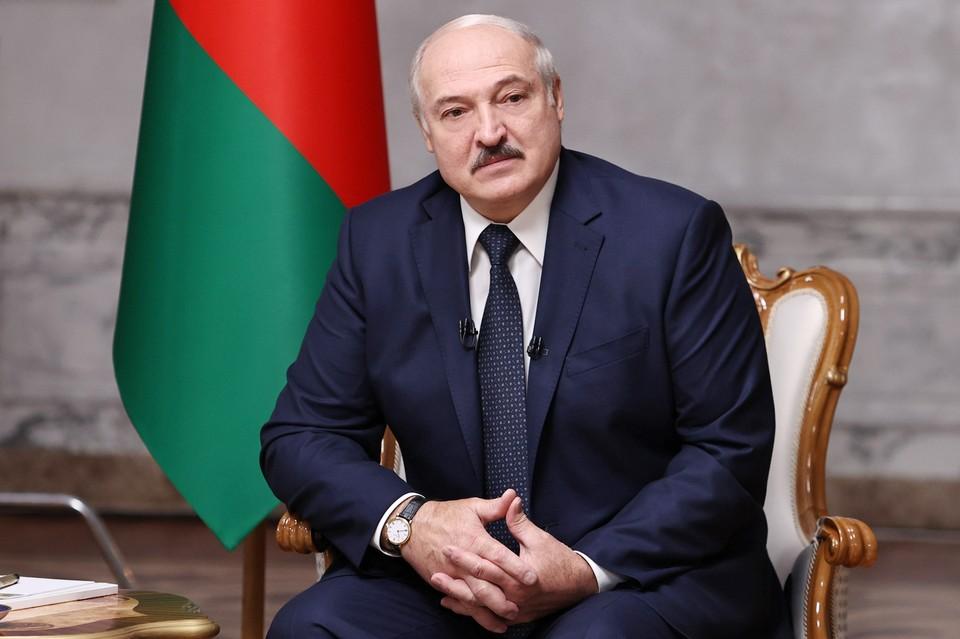 Президент Белоруссии Александр Лукашенко во время интервью ведущим российским СМИ во Дворце Независимости. Фото: БелТА/ТАСС