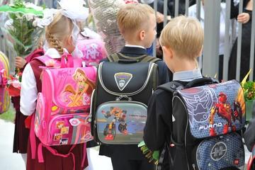 Психолог рассказала, как научить детей собирать портфель и делать уроки самостоятельно