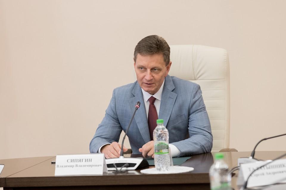 Губернатор Владимир Сипягин