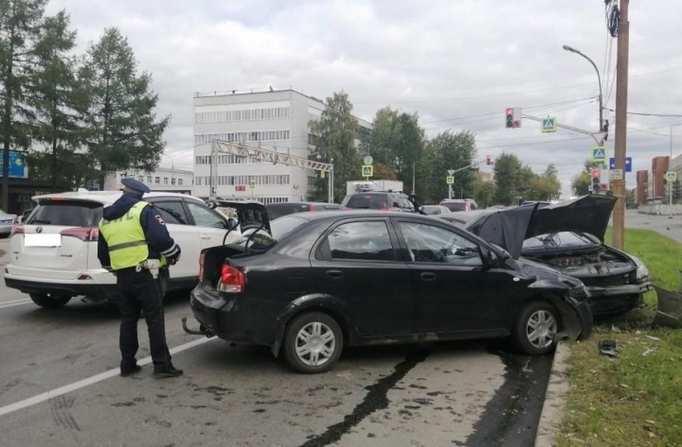 В аварии пострадали четыре человека. Фото: Отделение пропаганды ГИБДД по Екатеринбургу