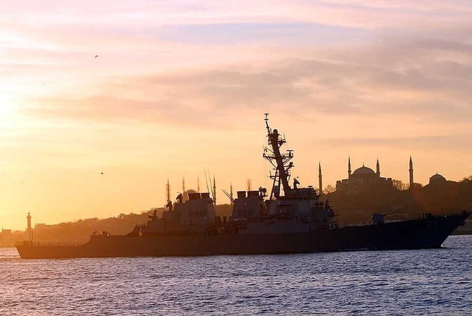 ВМФ отслеживает действия американского эсминца в Балтийском море