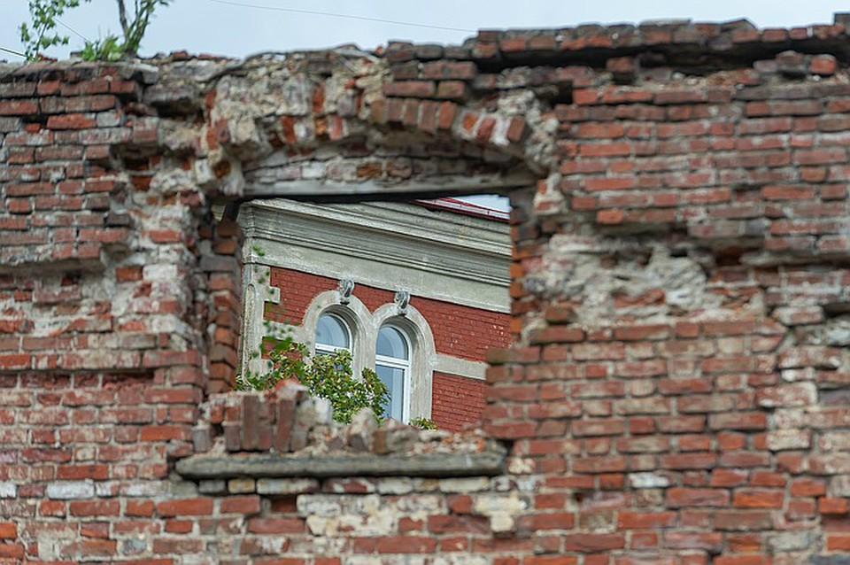 Пропавшие деньги предназначались на ремонт зданий и помещений Выборга – города, много лет страдающего от печального состояния домов-памятников