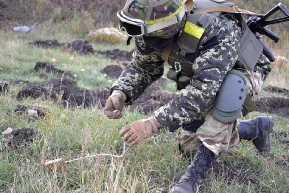 ВСУ не прекращают минировать окрестности. Фото: Штаб «ООС»