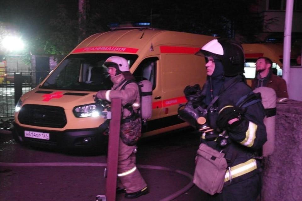 В тушении пожара участвовали 64 человека и 26 единиц техники Фото: ГУ МЧС по Красноярскому краю
