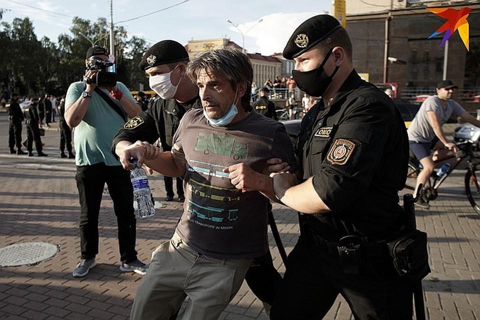 Происходящее представляет собой грубейшее и широкомасштабное нарушение прав на свободу выражения мнений, объединений и мирных собраний, на личную свободу, на справедливое судебное разбирательство, на свободу передвижения, а также прочих фундаментальных прав человека