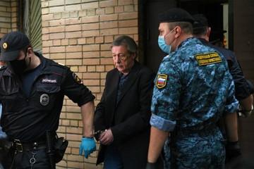В колонии ждут Михаила Ефремова, у которого «денег до фига»