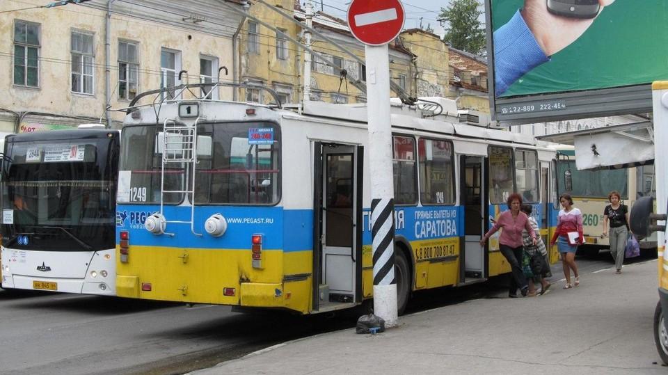 Проездные на троллейбусы и трамваи в Саратове могут отменить