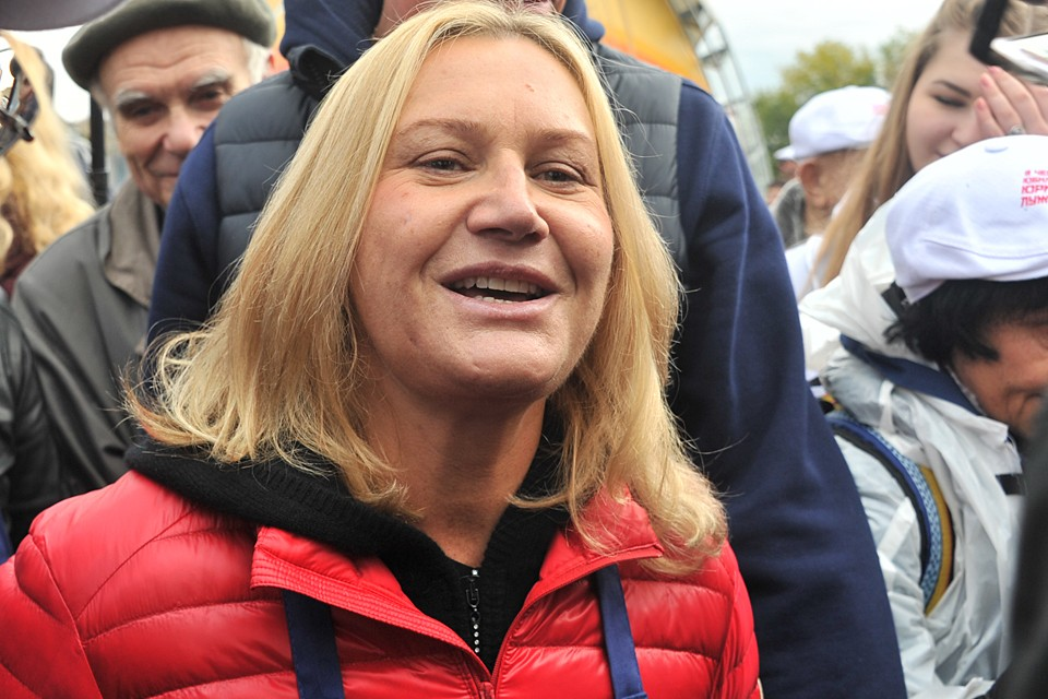 Согласно отчету, инвестиционно-строительная корпорация «Интеко», возглавляемая вдовой бывшего мэра Москвы Юрия Лужкова, имела некие связи с Хантером Байденом