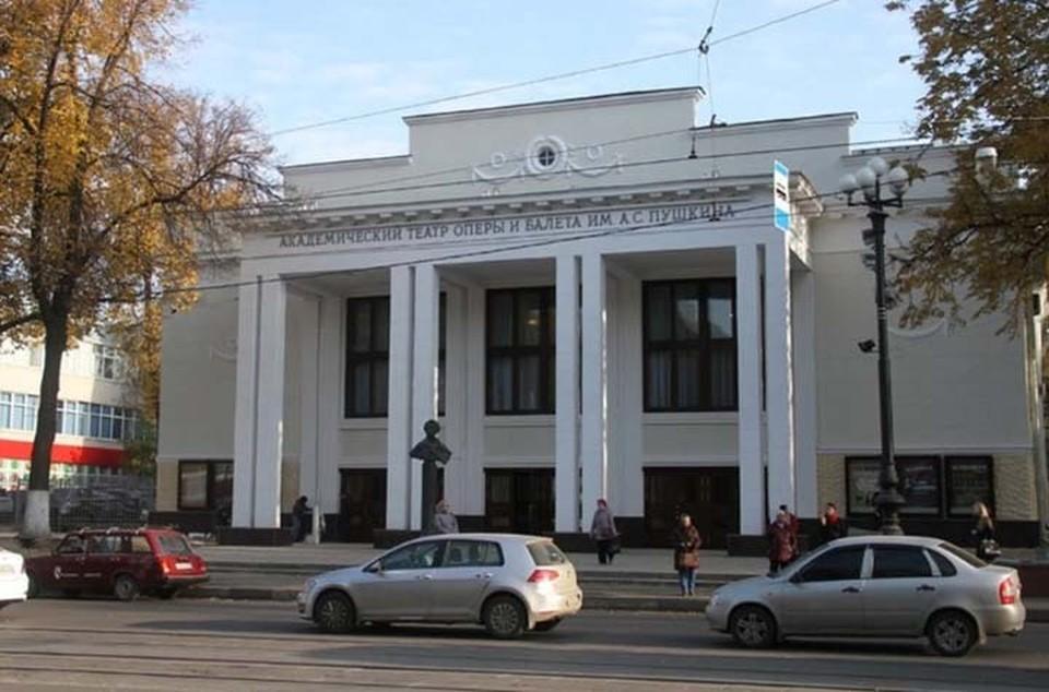 В Нижегородском театре оперы и балета уволят главного режиссера и балетмейстера