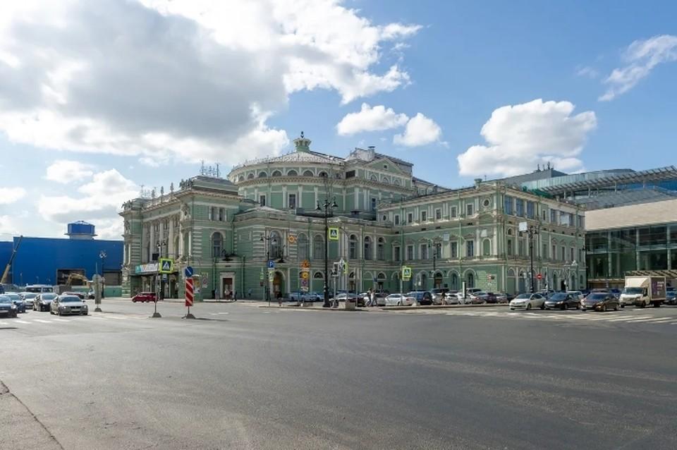 """Беглов пообещал, что выход из станции метро """"Театральная"""" на Театральную площадь Санкт-Петербурга строить не будут."""