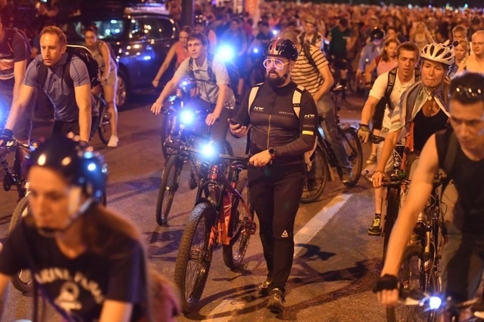 Участникам напоминают: фонарики на велосипедах должны быть обязательно.