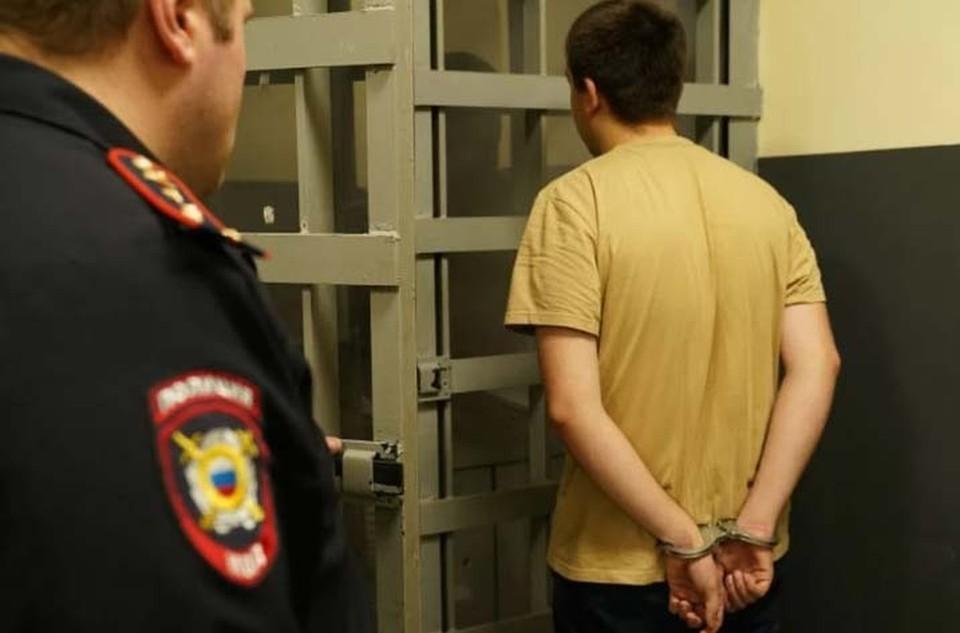 «Вырвал телефон, чтобы не позвала на помощь»: 16-летний нижегородец избил и пытался изнасиловать свою 13-летнюю знакомую.