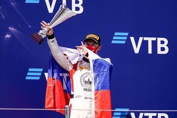 Россиянин Никита Мазепин обогнал сына Михаэля Шумахера на гонке Формулы-2 в Сочи
