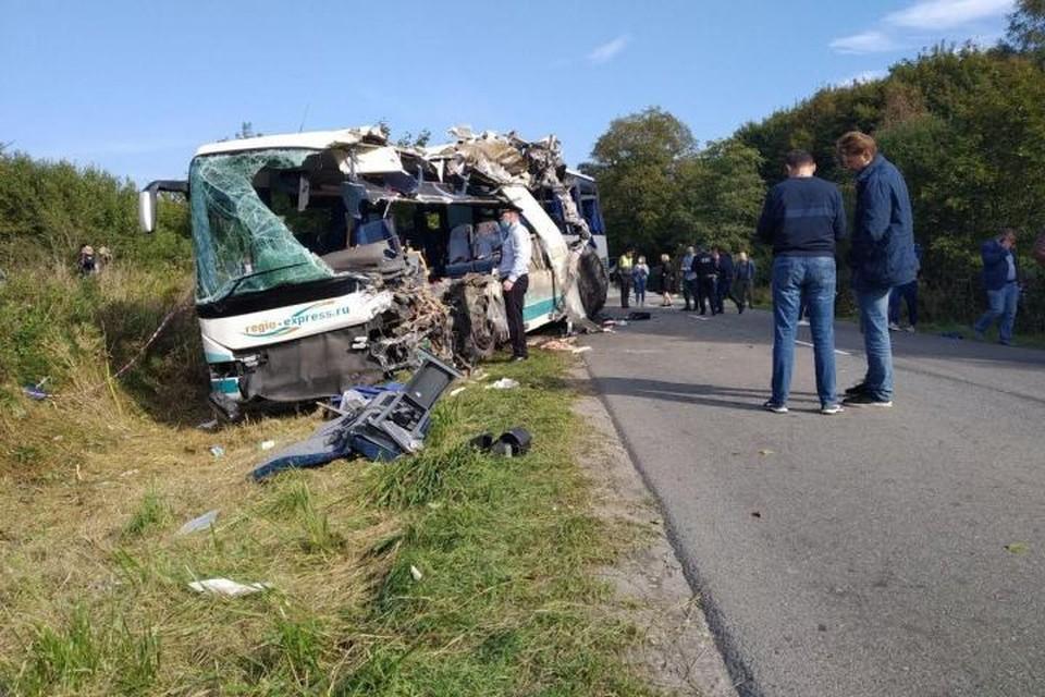 Директор компании-перевозчика - о рейсовом автобусе, разбившемся под Калининградом: «Это новая машина, 2018 года выпуска»