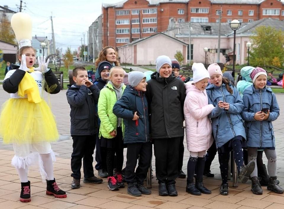 Дети из разных городов страны участвуют в фестивале #ВместеЯрче, Томск - не исключение.