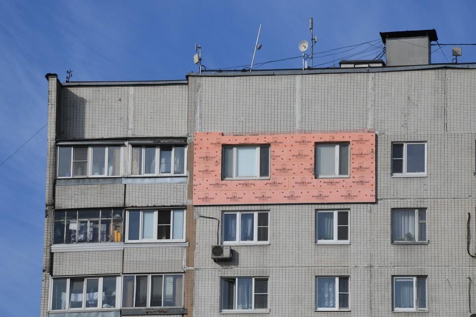 В Москве 11-летняя девочка выпала из окна дома на пятом этаже