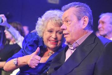 Людмила Поргина призналась, как за деньги таскала больного Николая Караченцова по шоу