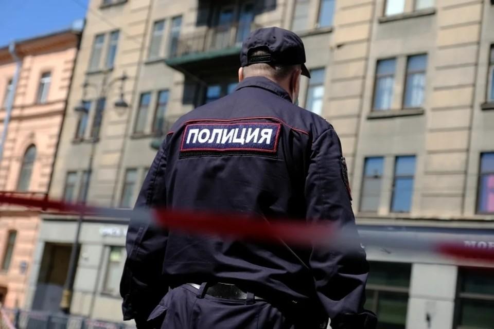 Группа подростков хладнокровно избила до смерти мужчину в Санкт-Петербурге.