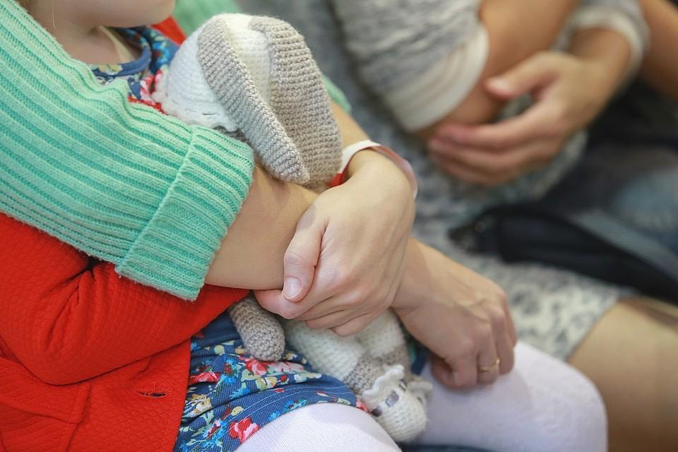В Красноярском крае опека забрала ребенка у заботливой бабушки и отдала родителям-наркоманам