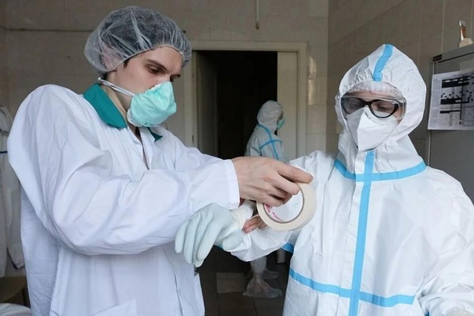 В Новосибирске вновь больше ста заболевших за сутки - такого не было три месяца.