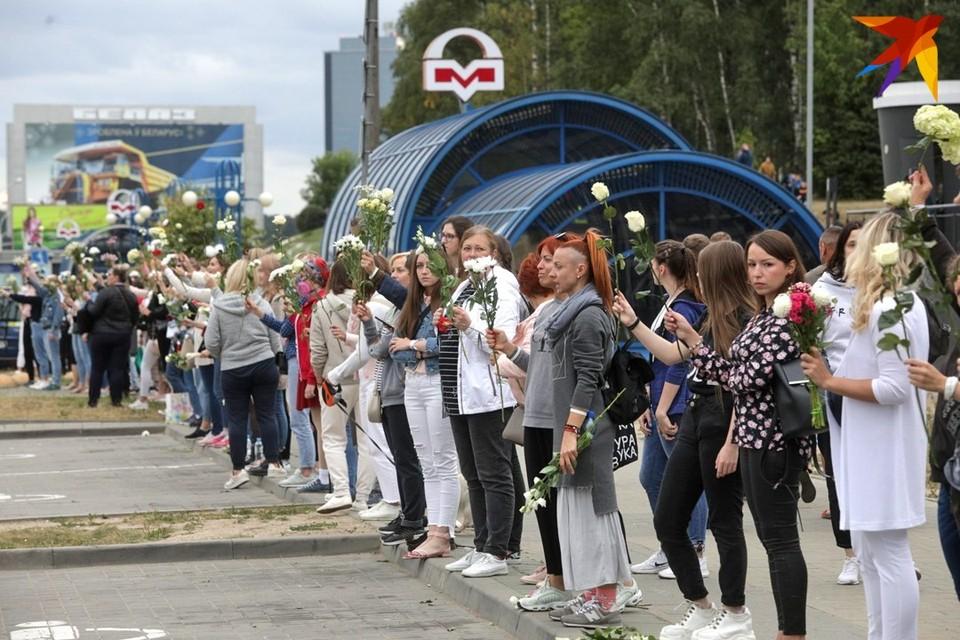 У протестов в Беларуси нет лидеров, говорят эксперты. Но при этом они влияют на всех.
