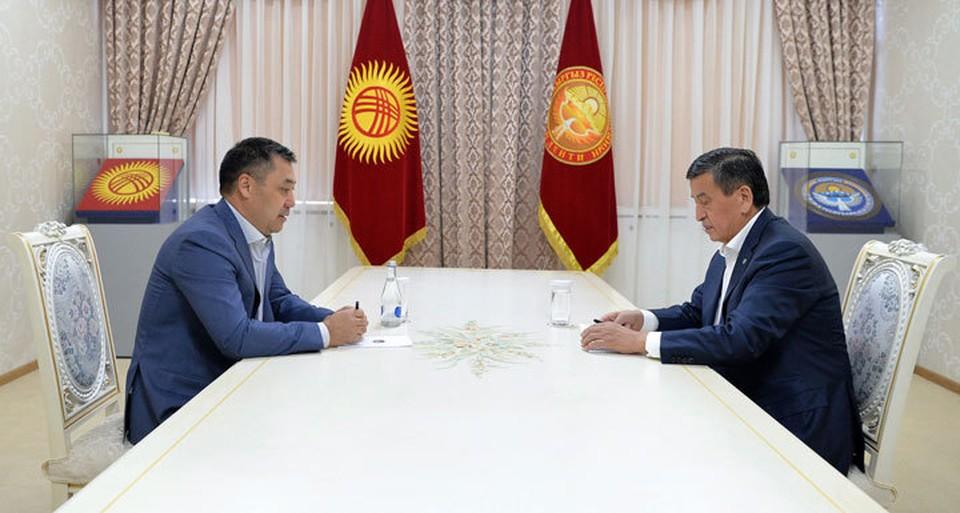 На встрече с Садыром Жапаровым Сооронбай Жээнбеков высказал свое мнение о прошедшей процедуре избрания премьер-министра - она вызывает у президента сомнения.
