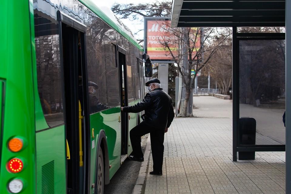 В Челябинске увеличили рейды по выявлению нарушителей масочного режима в транспорте
