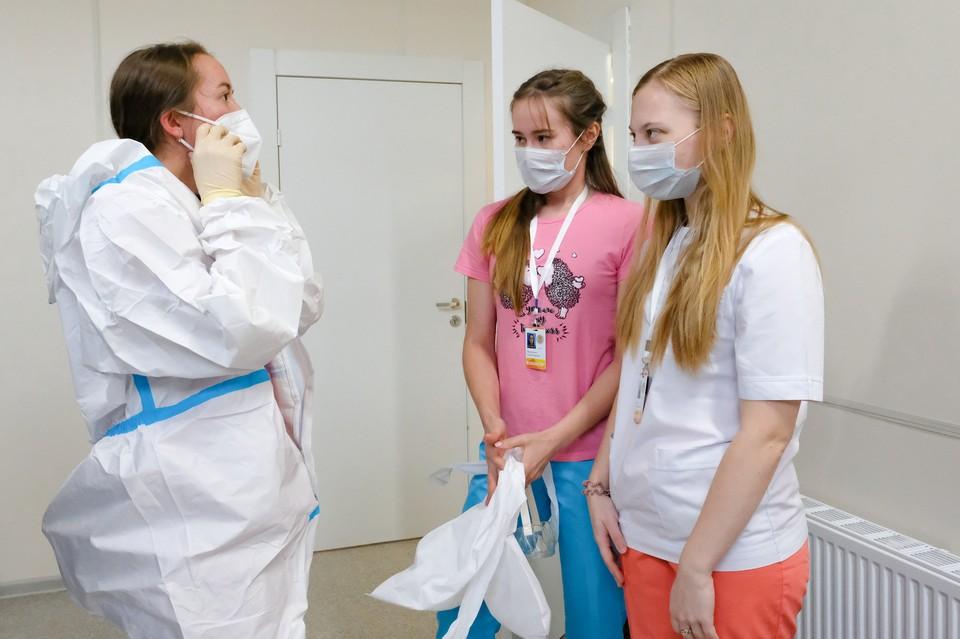 В Ленэкспо пока нет пациентов, но волонтеры уже готовы помогать