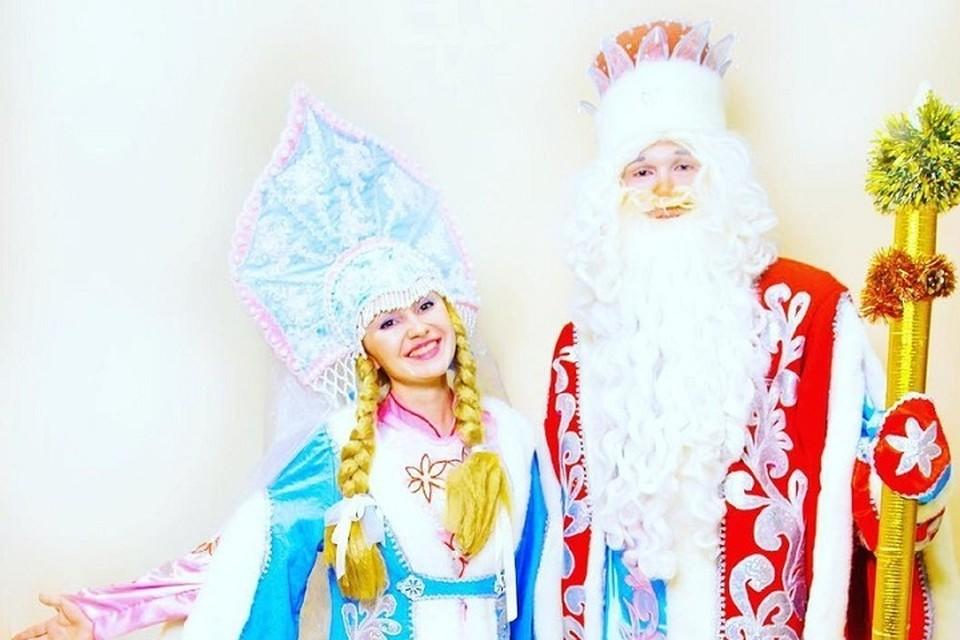 Дед Мороз и Снегурочка одной из тюменских студий событий.