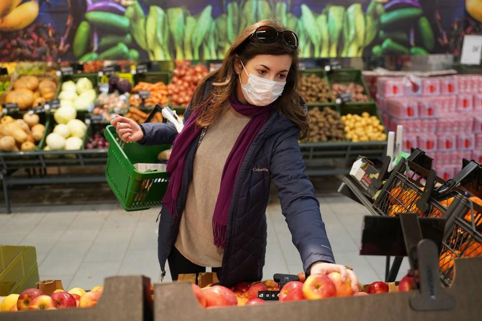 В топ-6 полезных для иммунитета продуктов входят овощи и фрукты.