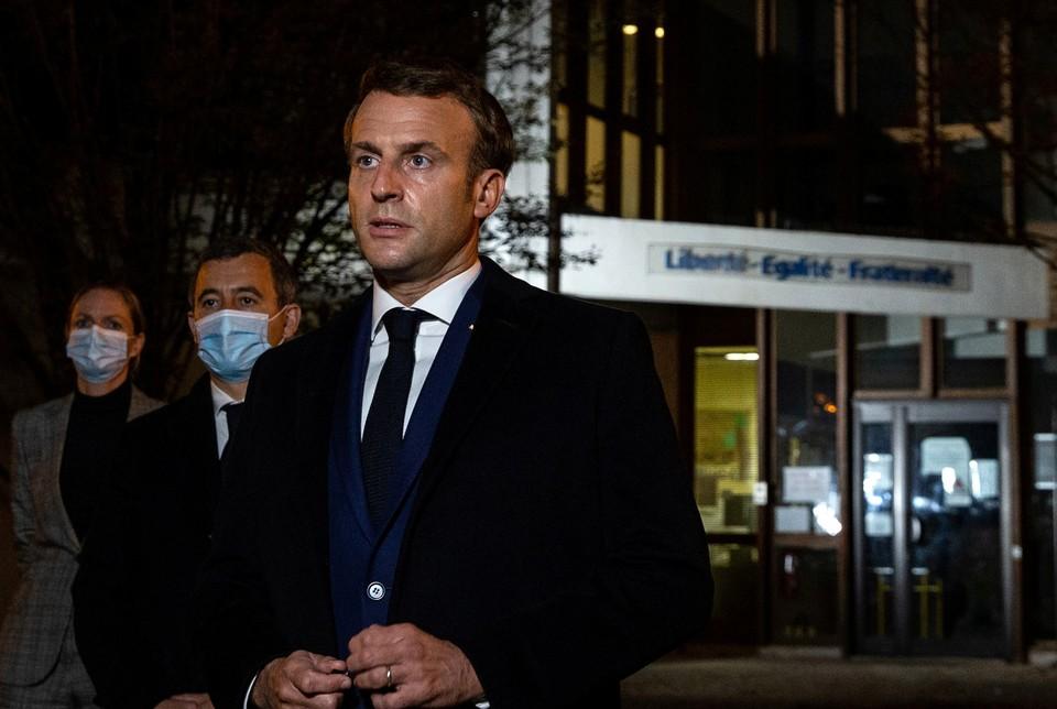 Макрон назвал убийство французского учителя терактом